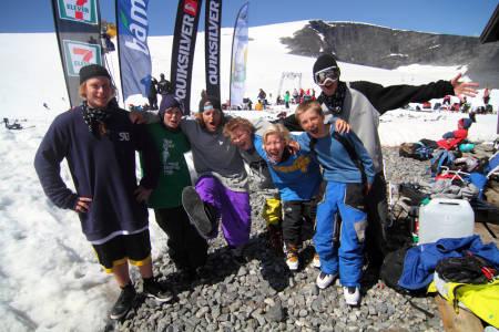 STOKA: Camp-kids sammen med noen av instruktørene; Thomas Dølplads, Aleksander Aurdal og Even Sigstad.