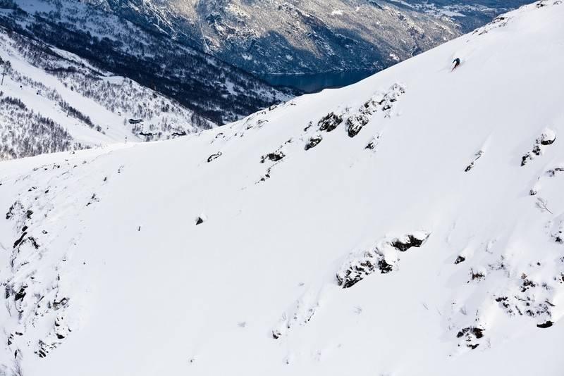 TIL SALGS: Alpinanlegget på Stranda er til salgs, og kommunen er ivrige på å selge det gjeldstyngede pudderparadiset på Sunnmøre. Foto: Christian Nerdrum
