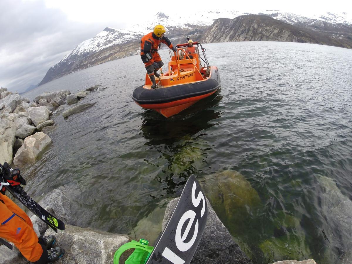 FIN SKYSS: «Det er bedre å bli henta av Kystvakta enn å svømme over fjorden til Glomfjord» –gammelt jungelord fra Nordland. Foto: Trym Kristiansen