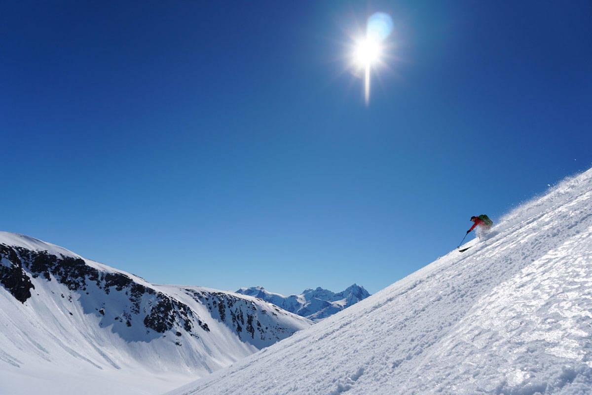 ROMSDAL NÅ: Dette bildet ble tatt i Romsdal på onsdag – fortsatt fine forhold i fjellet! Foto: Halvor Hagen
