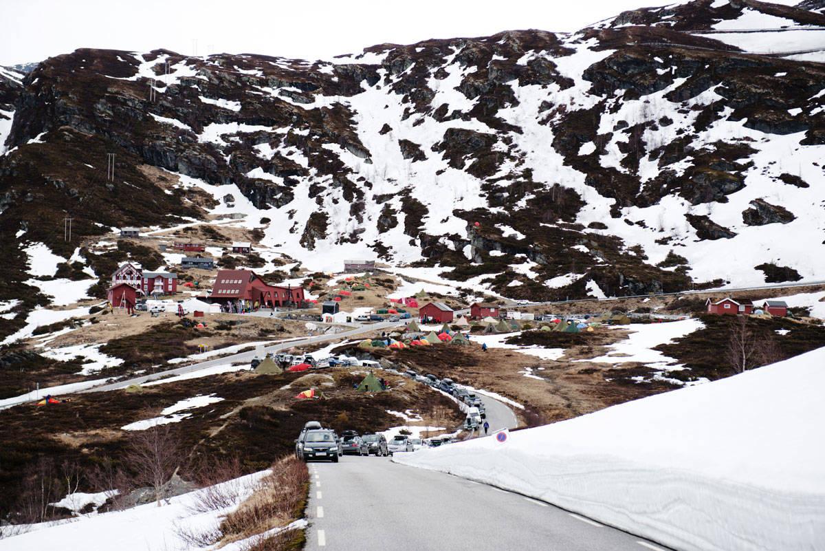 POPULÆR FESTIVAL: Nok en gang ble verdens største toppturfestival – High Camp Turtagrø – utsolgt på et blunk. Arkivfoto: Martin Innerdal Dalen
