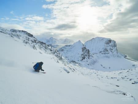 EN ÅPENBARING: Nydelige forhold på Himmeltind i Lofoten. Foto: Timme Ellingjord