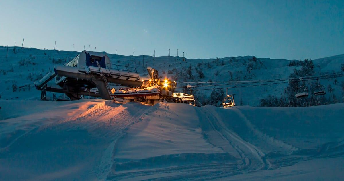 PUDDERÅPENT: Med snødump i Eikedalen måtte de åpne for en kveld. Foto: Jan Petter Svendal