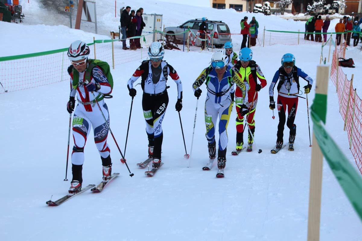 BARE NESTEN: Hildegunn Gjertrud Hovdenak (til venstre) ble nummer fire i rando-VM i dag. Foto: Kjersti Solvoll Bakketun Tronvoll