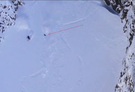 PUDDERHUNDEN: Her går Viggo kast i kast ned Austabotnrenna i Hurrungane. Bilde: Chaoz Productions