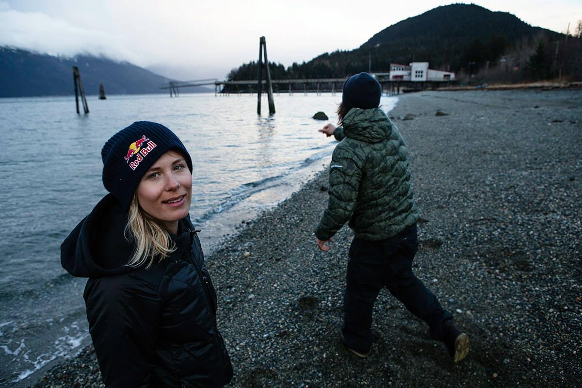 HEDRER: I den nye skifilmen Between hedres Rapaport. Foto: Oskar Enander