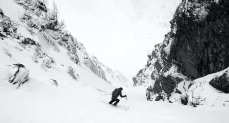 MINUTTER AV LYKKE: I ly av stormen fant vi kald og ubundet snø – nok til å ikke tenke på peis og rødvin.