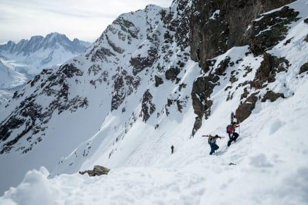 FEIL FORHOLD: Jeremie Heitz og Sam Anthamatten sjekker forholdene i Chamonix denne uka – og finner ut at de ikke er gode nok til på arrangere FWT-konkurranse. Foto: Jeremy Bernard