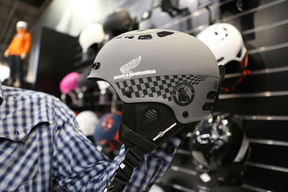 ALEKS´ HJELM: Dett er Aleksander Aurdals promodell-hjelm fr Sweet. Hjelmen kommer til høsten. Foto: Tore Meirik