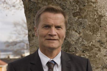 SKIKJØRER: Nesset-ordfører Rolf Jonas Hurlen er toppturentusiast og slett ikke fremmed for heliskiing i kommunen. Foto: Gabi H. Hurlen