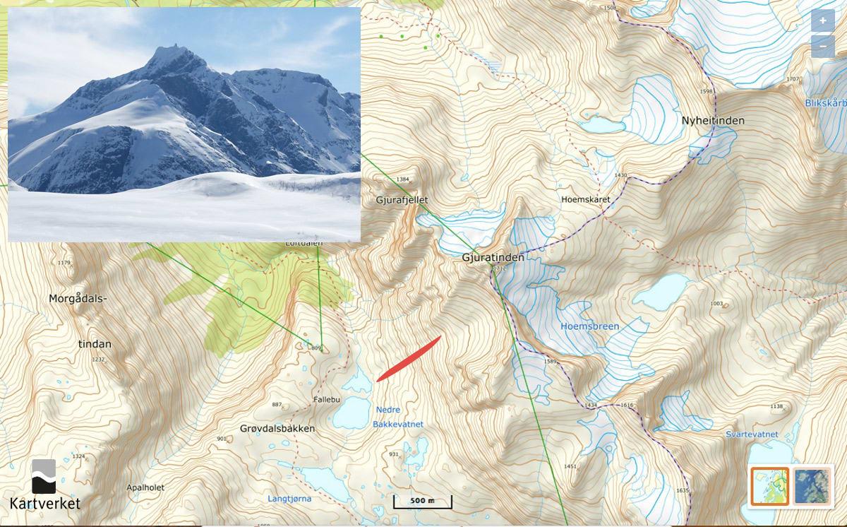 NÆRE PÅ: Ulykken skjedde på Gjuratind i Romsdalen. Det røde feltet markerer skredbanen.