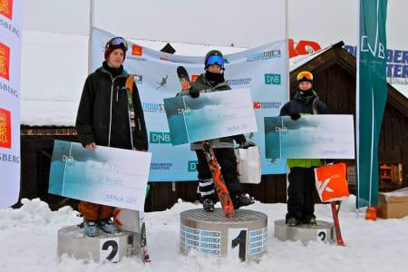 PALLEN: Jens Johnsen på toppen, Adrian Tøyen ble nummer to og Christian Nummedal tok tredjeplassen. Foto: Terje Nummedal