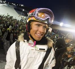 Han tenker ikke kutte ut skikjøringen med det første. Nå dømmer Jon Olsson om OL 2014.