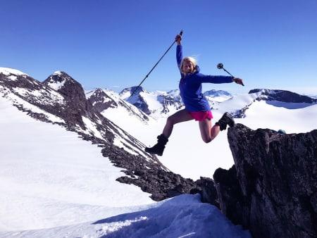Toppturfolket vil få lettere tilgang til indrefileten av Jotunheimen dersom veien brøytes til Sognefjellshytta fra 1. april. Foto: Sigurd Rønningen