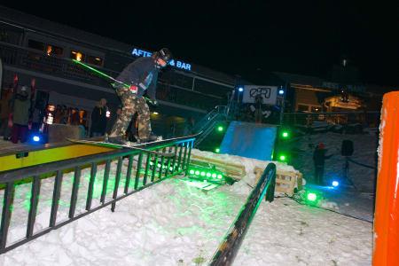 BARE NESTEN: Jens Johnsen er muligens Øyers største skitalent, men han måtte nøye seg med andreplass under Øyer railjam på fredag. Foto: Espen Berg-Johnsen