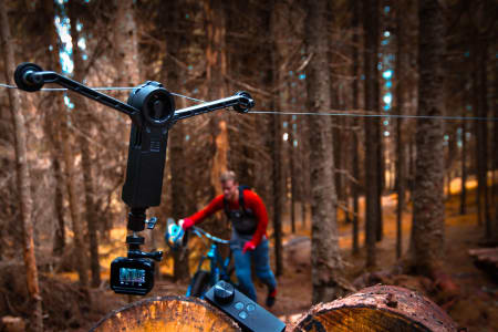 NORSK OPPFINNELSE: Wiral er rimelig, enkel i bruk og klarer ting du bare kan glemme å få til  med drone. Foto: Privat