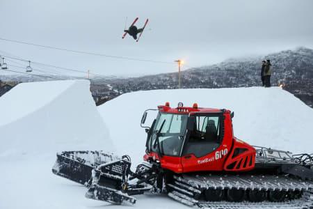 TRIKSFEST: Slik så hoppet ut torsdag formiddag. Foto: Andreas Løve Storm Fausko / Hovden Alpinsenter