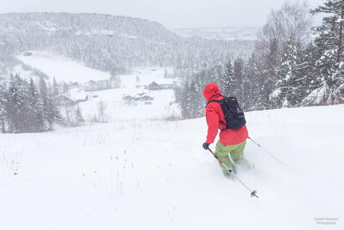 Kongsberg fikk en halvmeter nysnø - åpner heisene rekordtidlig
