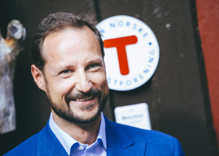 TOPPTURHYTTE: Toppturentusiast Kronprins Haakon skal stå for åpningen av Haakonsbu. Foto: Marius Dalsæg Sætre