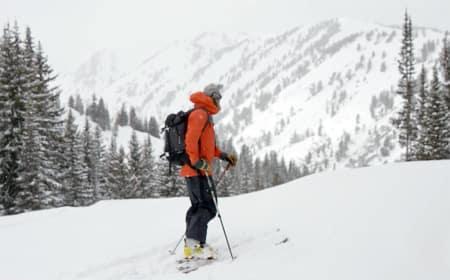 VÆRVARSLER: Bli med meterolog Drew Hardesty til fjells. Foto: Skjermdump