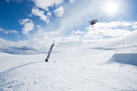 Christian Nummedal i aksjon på Big Boy – hoppet hvor det er 30 meter til sweetspotten i landinga.