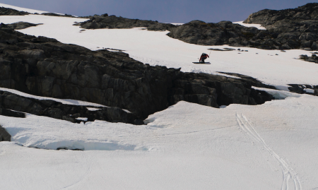 TRIPPEL TRYGG: Trygg Lindkjølen med en treer ut en klippe i toppen. Kjøringa holdt til femteplass. Bilde: Henrik Ulleland