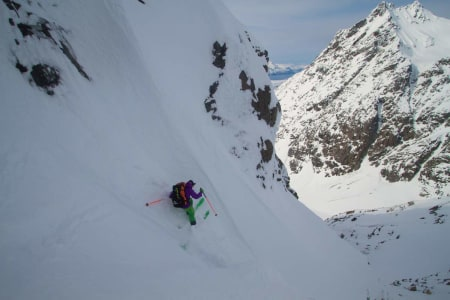 INNHOLDSRIKT: Ni dager på tur langs hele Lyngenhalvøya med en fransk legende og noe av verdens fineste skiterreng. Sånt blir det opplevelser av. Foto: Lars Nilssen