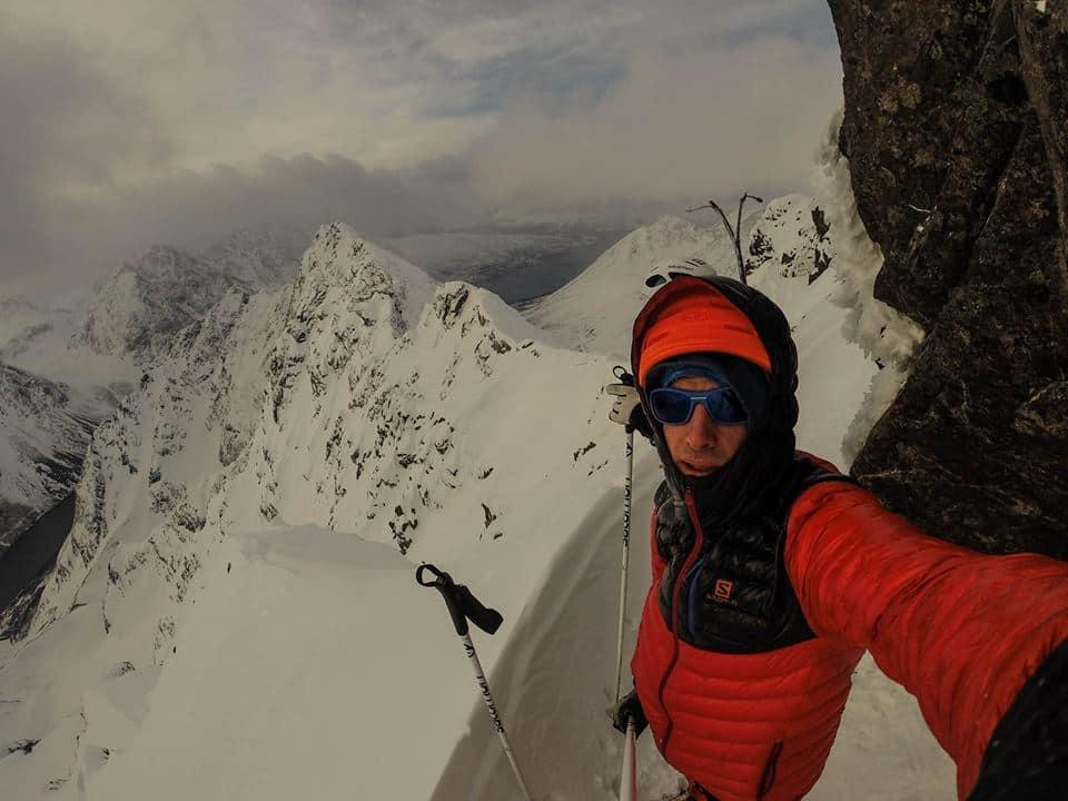 ALT SLAGS VÆR: Kilian Jornet har utforsket renner i Lyngen i hele vinter. Foto: Kilian Jornet