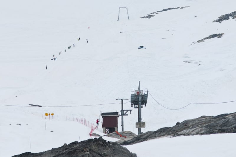 PROBLEMENE FORTSETTER: Ikke nok med at Breheisen (bildet) aldri åpnet i sommer, nå har Stryn sommerskisenter mistet mobildekninga også. Foto: Peter Gløersen.