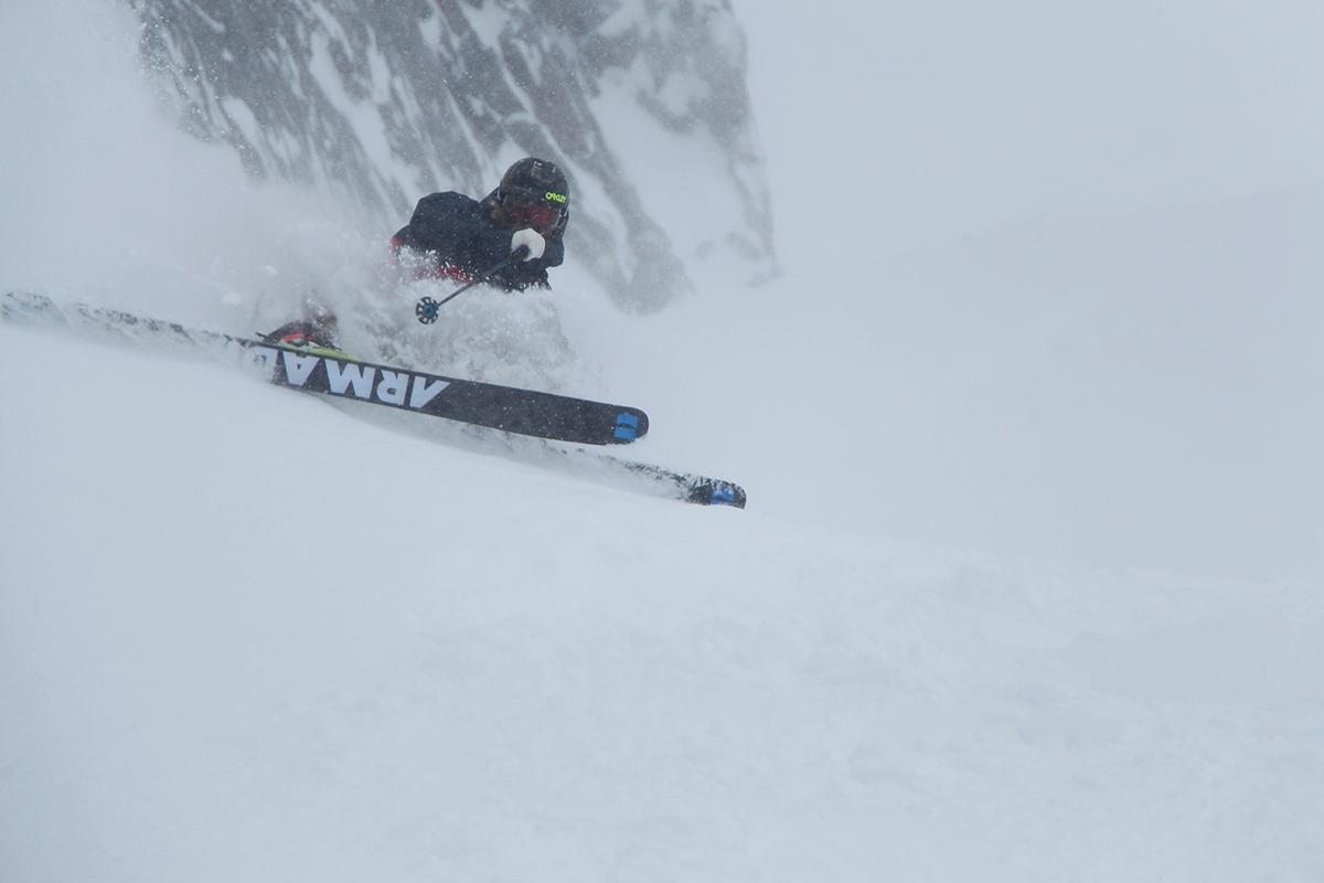FORTSETTER: Snøfesten fortsetter i alpene. Her med Jacob Wester i Chamonix. Foto: Bjørn Fjellstad
