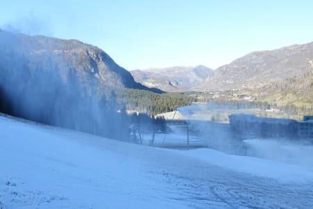 SNØKANON: Slik ser Hemsedal ut 14. oktober. Bildet ovenfor er fra Holdeløypa. Foto: Skistar