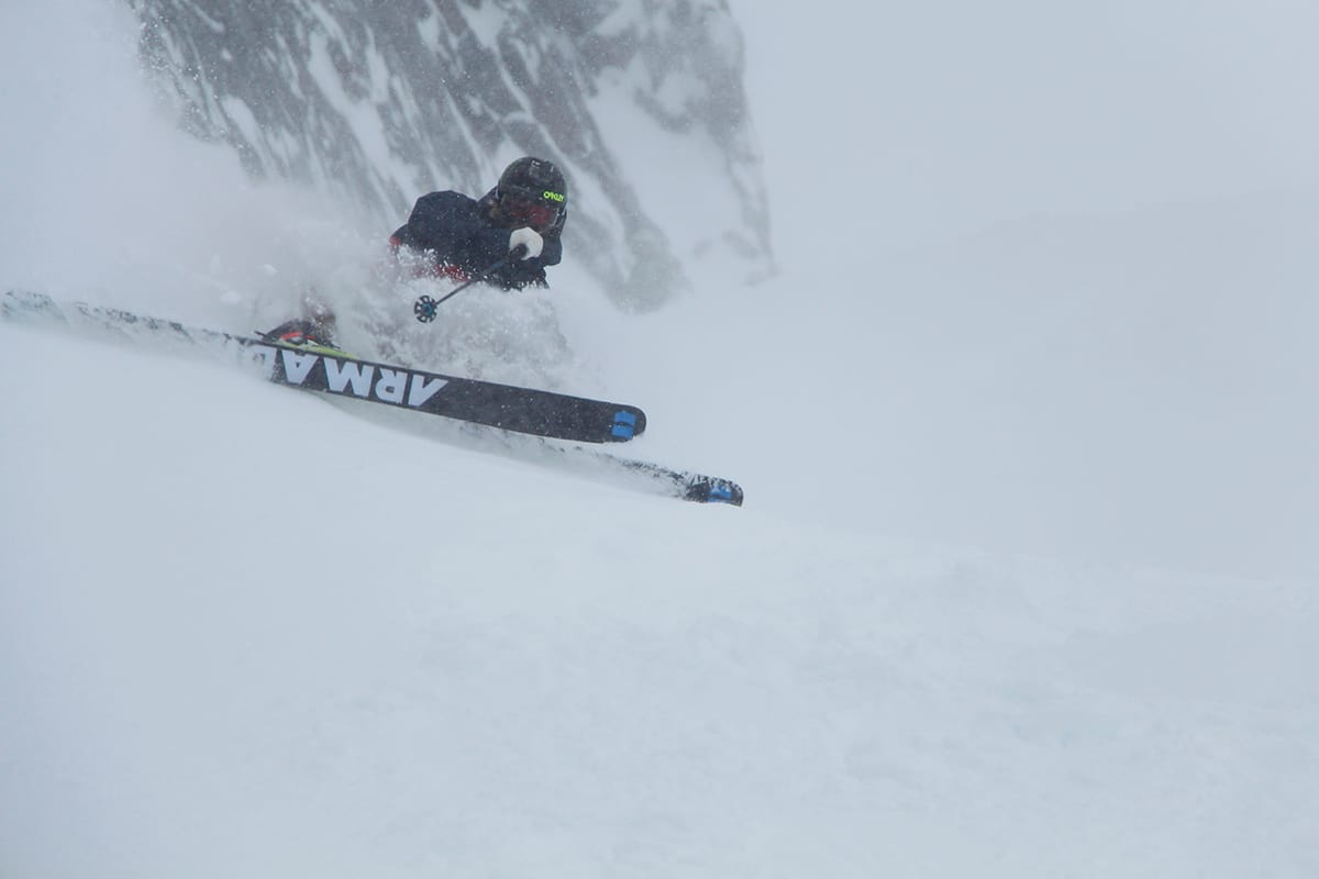 NYSNØ: Det er lenge siden Chamonix har kunnet nyte slike bilder. Her med Jacob Wester. Foto: Bjørn Fjellstad