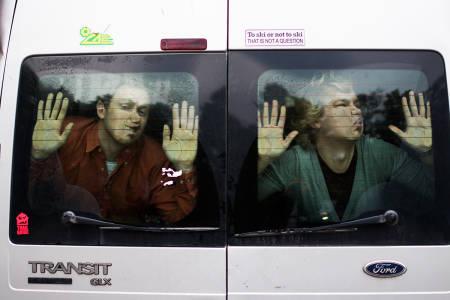 TRANSIT: Vi har fanget Bård Basberg (t.v.) og Brynjar Åmot i vår Ford Transit, og sender de ut på en 350 mil lang reise gjennom Norge. Foto: Anders Holtet