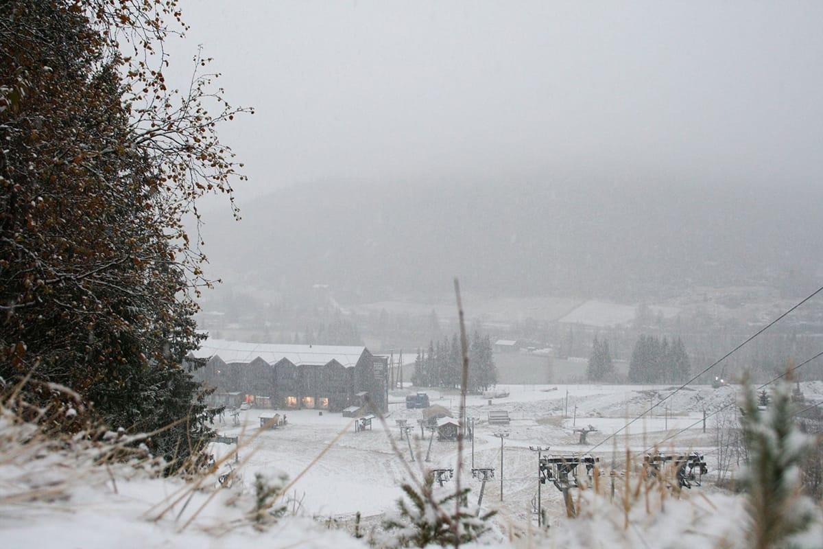 SNØ: Nå nærmer det seg virkelig skisesong i Hemsedal. Foto: Hilde Hagen / SkiStar Hemsedal