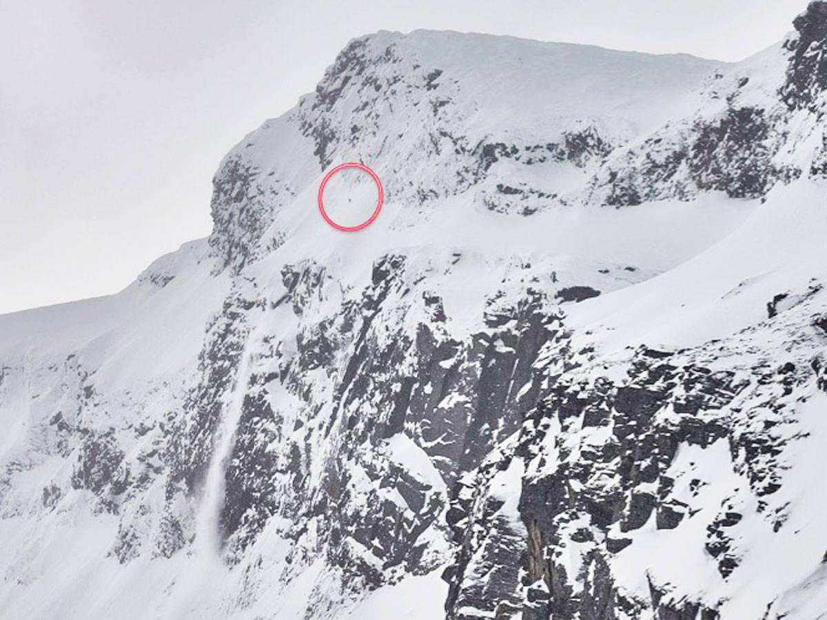 KARSTYKKE: Alexander Nordvall på vei ned Pannebandet på Sovende Dronning ved Narvik. Foto: Jan Arne Pettersen