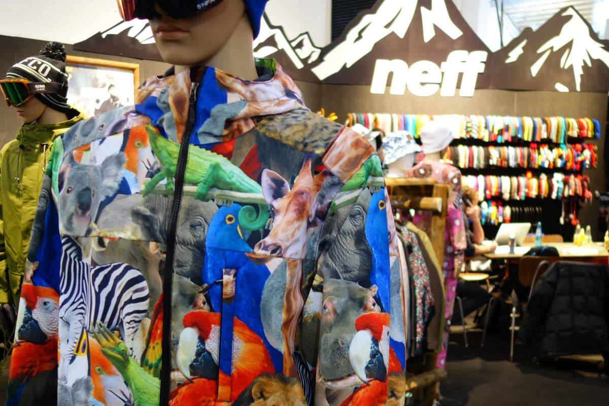 11 JAKKENYHETER: Hvordan ser de ut, skijakkene som kommer til høsten? Noen er dyre. Andre har dyr på seg. Foto: Henrik Breuer