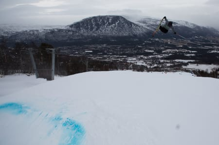PARK SOM FUNKER: Oppdal sliter med snømangel, men nytt kunstsnøanlegg gjør at bygda likevel kan ta på seg NM i slopestyle i april. Foto: Tore Meirik