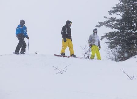 FLYT: Med snøværet på søndag ble det mer av den lydløse snøen. Foto: Simen Berg