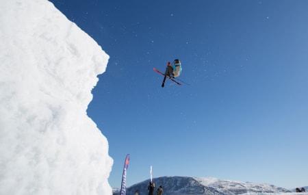 BEST I NORGE: Johan berg vant NM i big air i dag, og sikra seg dermed invitasjon til Jon Olsson Invitational neste helg. Vinnertrikset var dobbelcork 1260 mute til japangrab. Foto: Tore Meirik