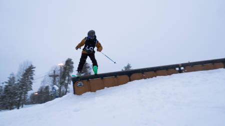 NORGESCUP: Eirik Sæterøy gikk helt til topps etter godt gjennomført run på rails og hopp. Foto: Espen Thomassen