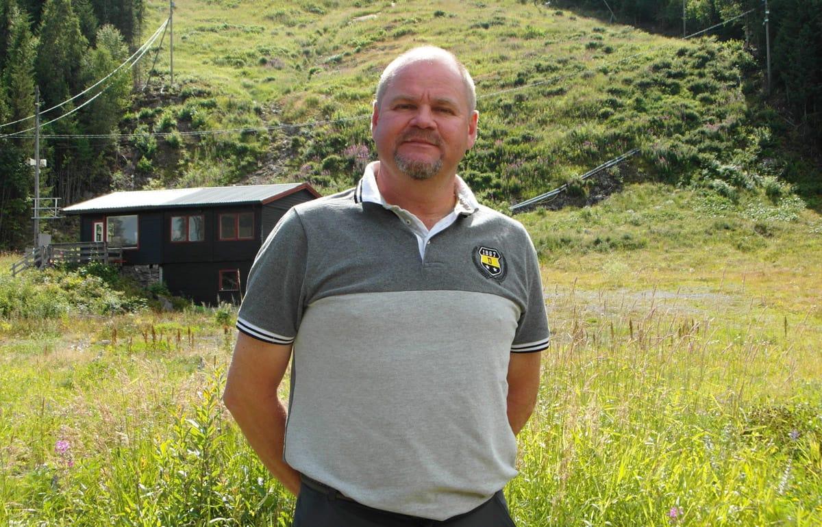 NY DAGLIG LEDER: Richard Palmgren er ny sjef i Varingskollen alpinsenter, som har store ambisjoner for aktiviteter både sommer og vinter.