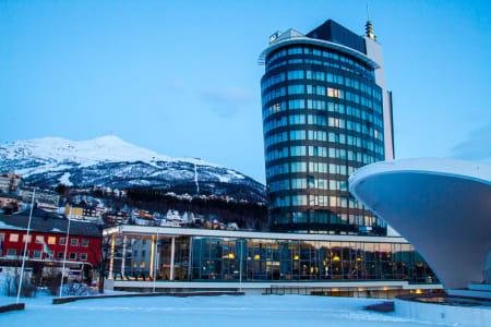 I ett år har Rica Hotel Narvik stått som ett nytt landemerke i sentrum. Foto: Simen Berg