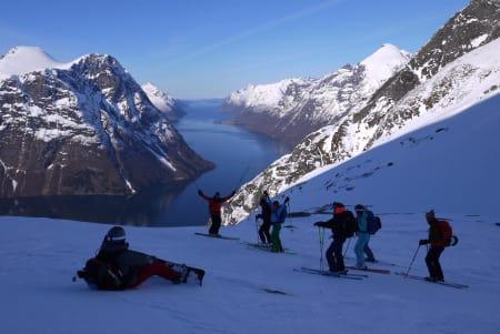 STILLE FOR STORMEN: Fra høgruteturen mellom Stryn og Sæbø – før snøstormen kom og gjorde forholdene vanskelige. Foto: Gordie Smith