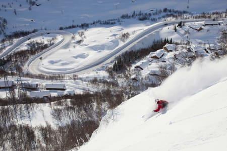 PUDDERDESTINASJON: Få steder i Norge får så mye snø som Røldal, og inneværende sesong er intet unntak. Foto: Thomas Kleiven