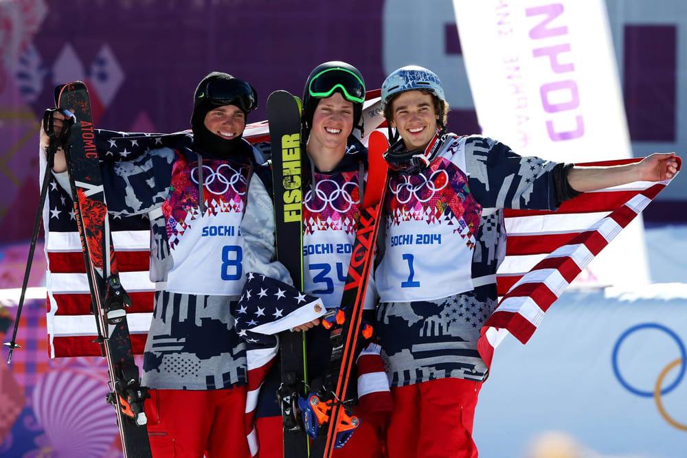 BEST: Amerikanerne tapetserte pallen i dag. Fra venstre: Gus Kenworthy (sølv), Joss Christensen (gull) og Nick Goepper (bronse). Foto: US freeskiing