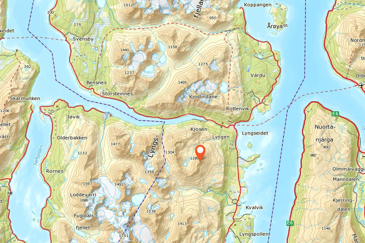 Kavringtinden: Et populært toppturfjell like vest for Lyngseidet.