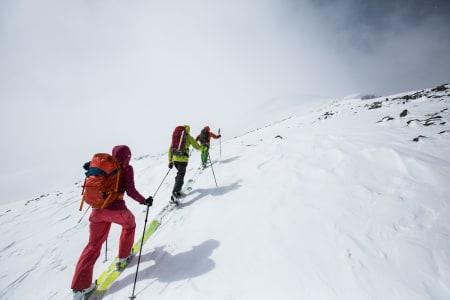 Turen opp til Galdhøpiggen fra Spiterstulen. Norges høyeste fjell byr faktisk på eminent skikjøring. Foto: Christian Nerdrum