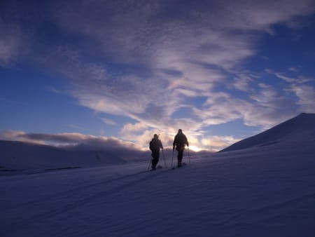 SNØ: Slik så det ut på Longyearbyen i slutten av oktober. Foto: Sigmund Stensvold