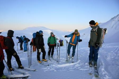 Markus deler også kunnskap, evt viser hvordan man kan danse på ski? – Foto: Kjetil M. Samuelsen