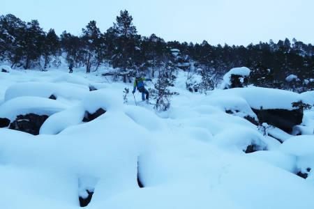 NORDMØRE: Sjekk de putelinjene i Møre og Romsdal! Ola Hovdenak herjer i Canada-aktig terreng. Foto: Bård Smestad